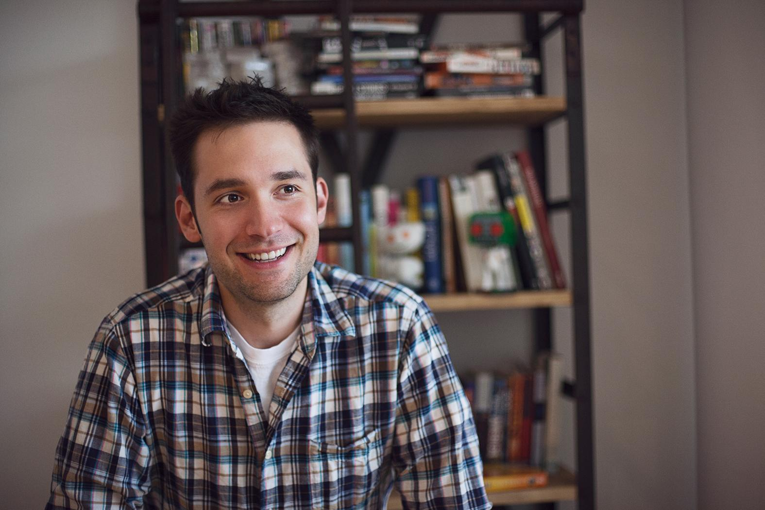 Alexis Ohanian earned a  million dollar salary - leaving the net worth at 9 million in 2018