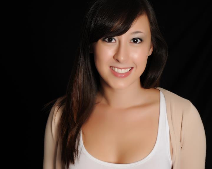 Robyn Lee